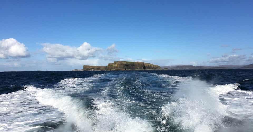 「無人島 海 画像 岩 イギリス」の画像検索結果