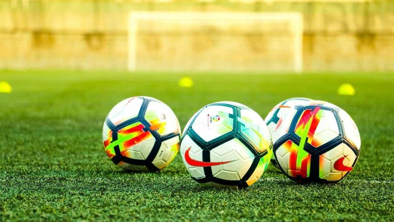 海外でサッカーすることを考えている人
