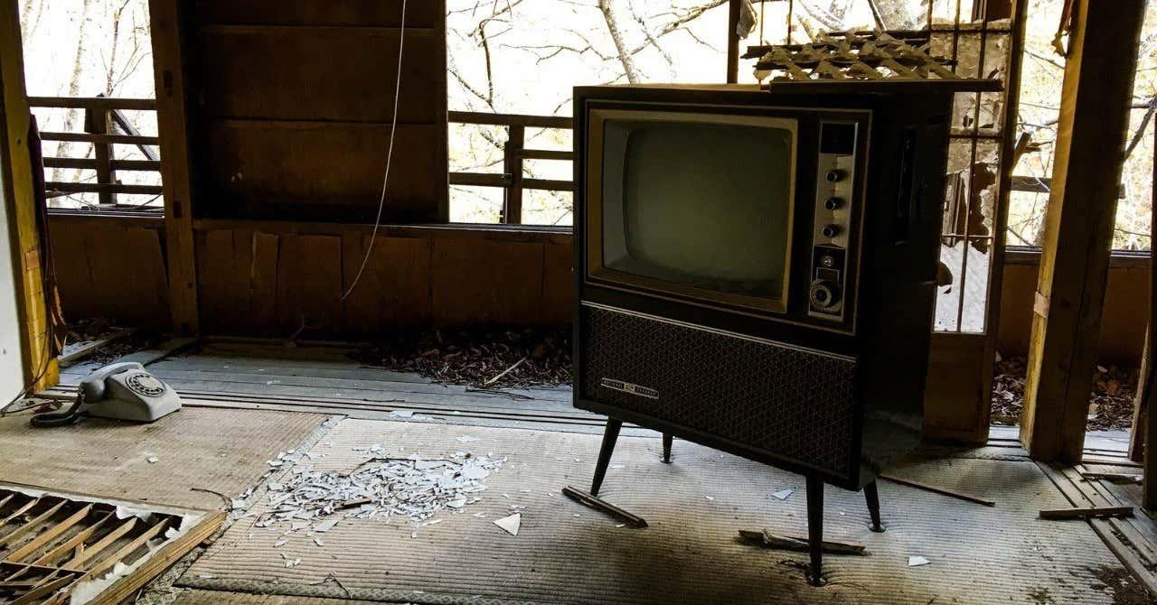廃屋テレビ