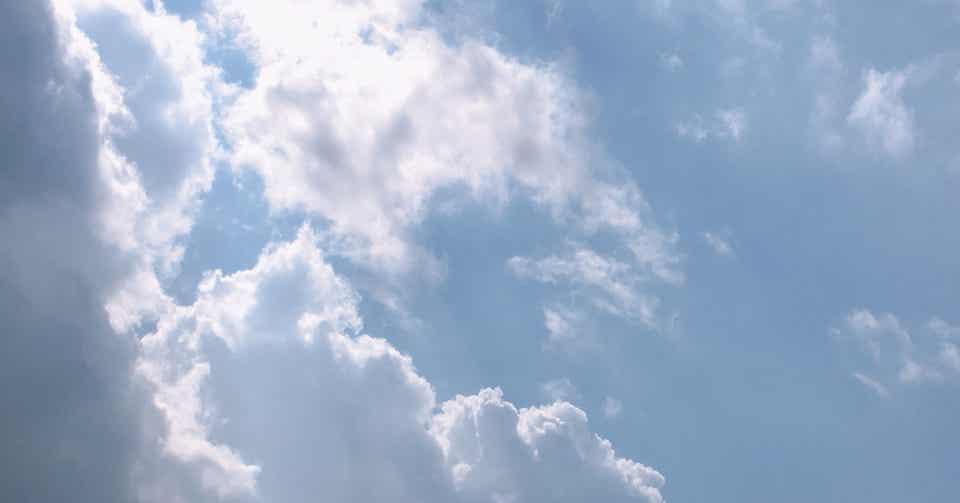 曇り のち 晴れ