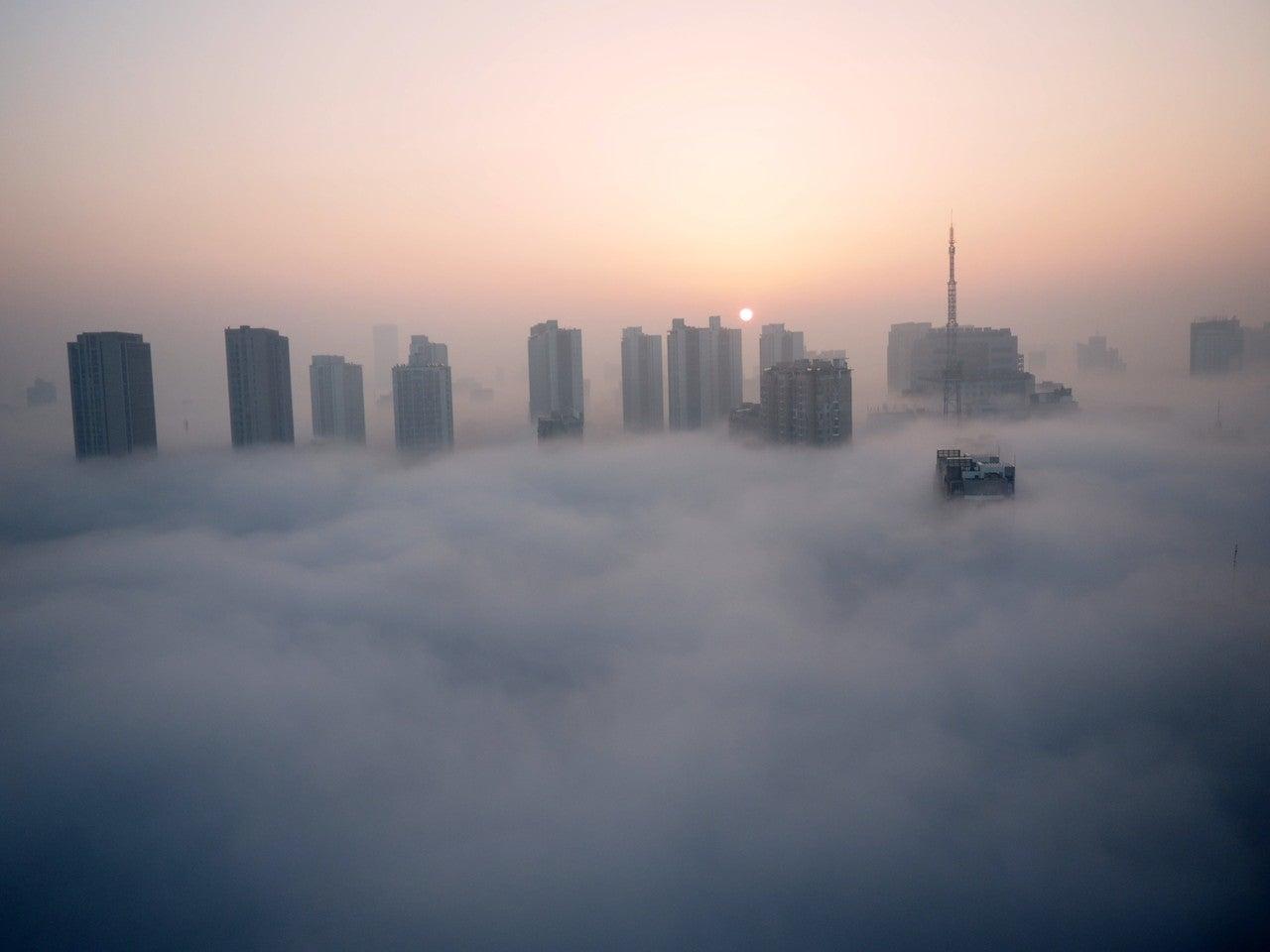 雲上都市の夜明け|クロノツカヤ|note