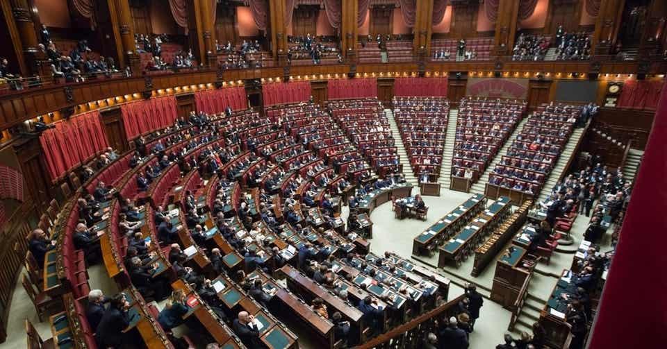 公職選挙法、そもそも政治家が金銭を配ってもいいの? スマート法律 ...