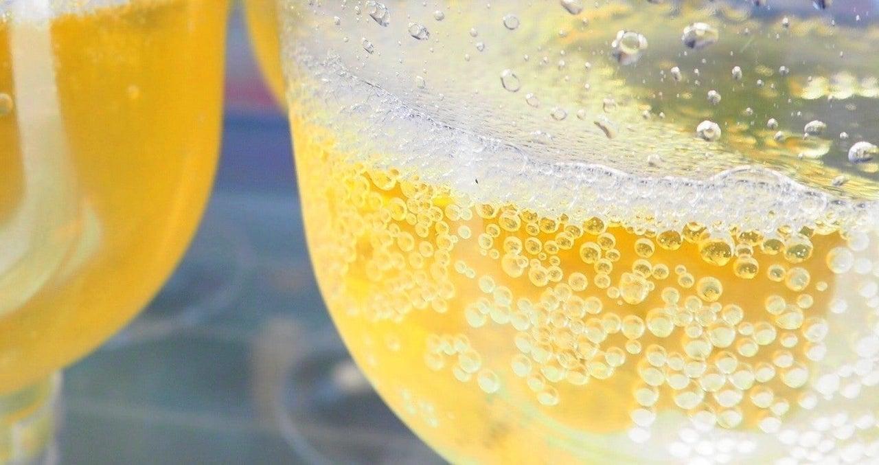 タワー 法則 シャンパン の