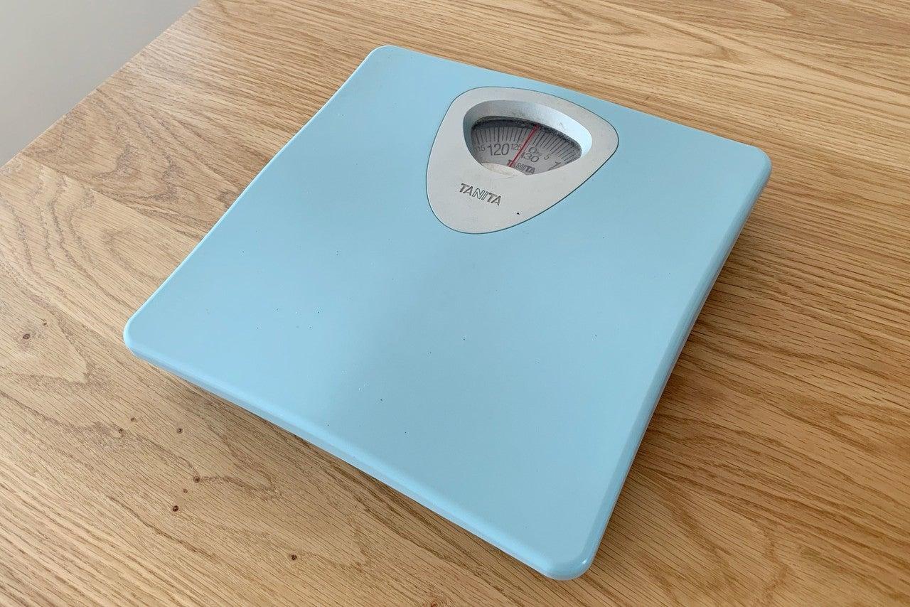 計 fitbit 体重