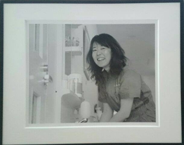 岡田愛子「ミサ先生は手洗い中」
