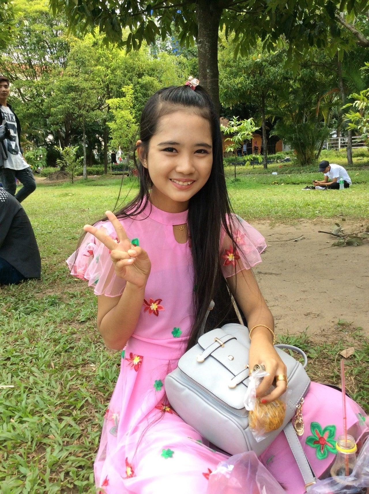 ミャンマー 美人