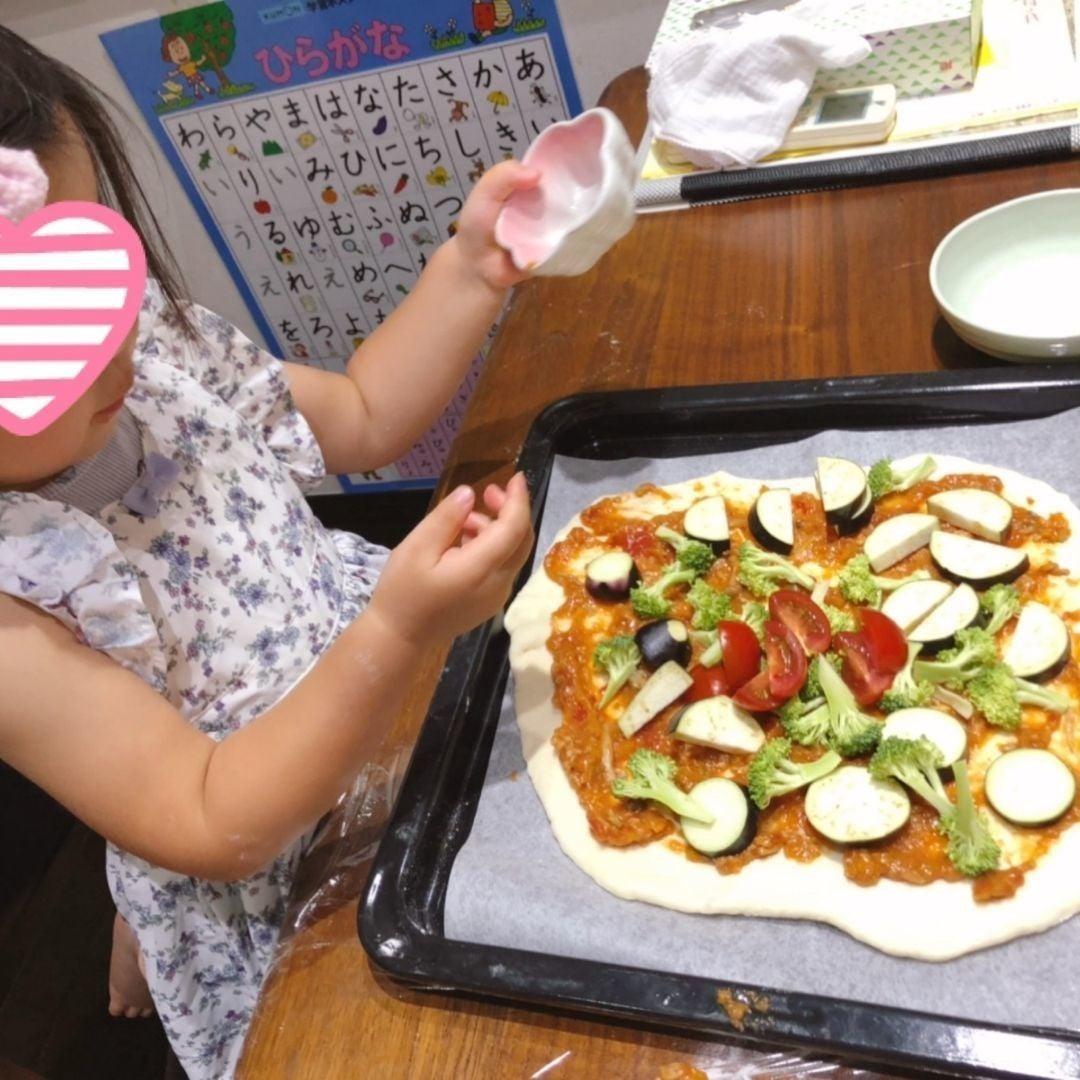 ホットクック で作ったミートソースを使ってピザ作り
