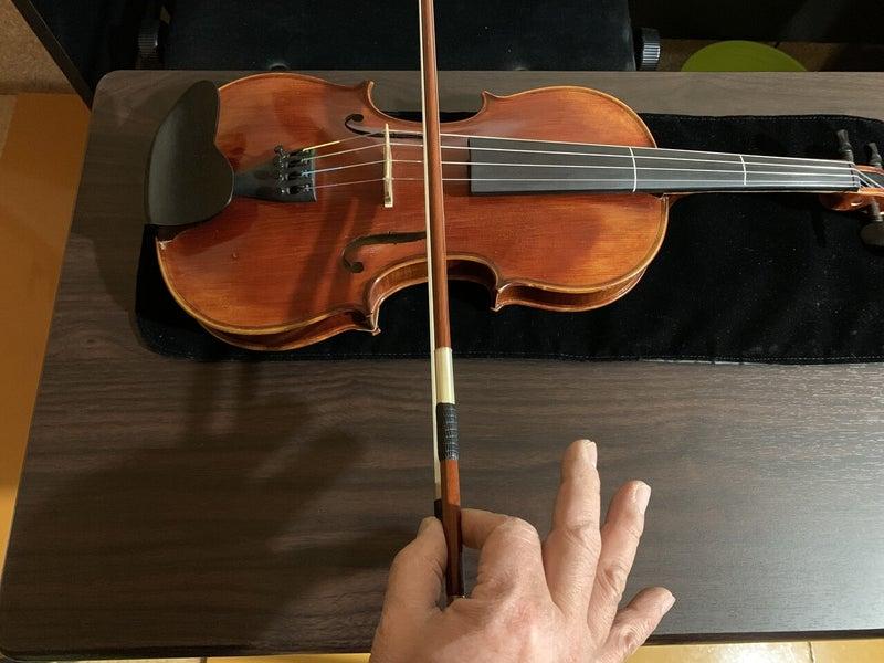 持ち バイオリン 方 弓 動画で見る弓の持ち方 ヴァイオリン教室「ヴァイオリンがわかる!」