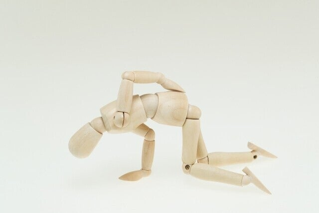 腰痛 人形