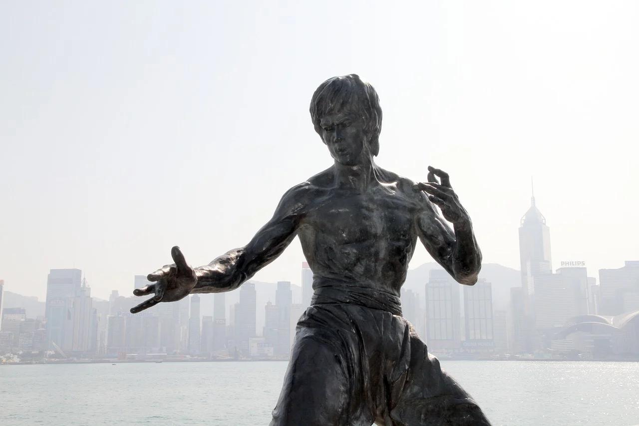 李小龍 ブルースリー 銅像