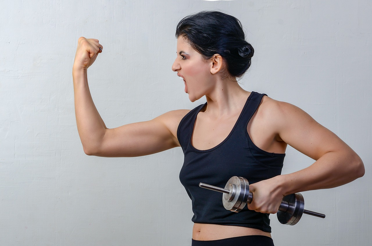 女性 筋肉 フィットネス