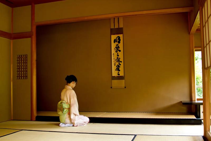 日本 姿勢 正座