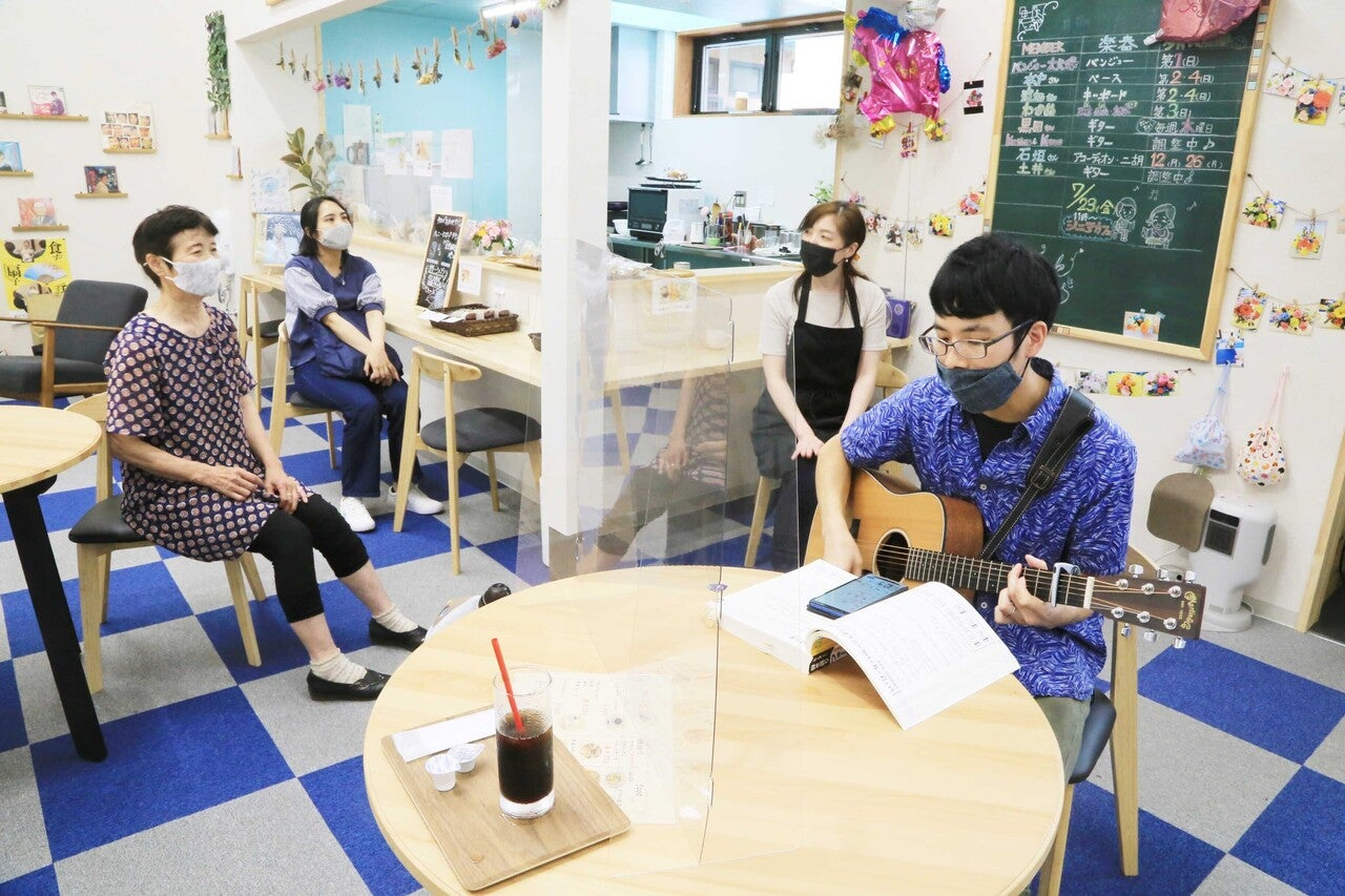 女川に常設の歌声喫茶 (108)