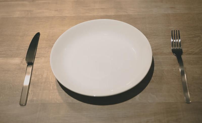 お皿 空っぽ