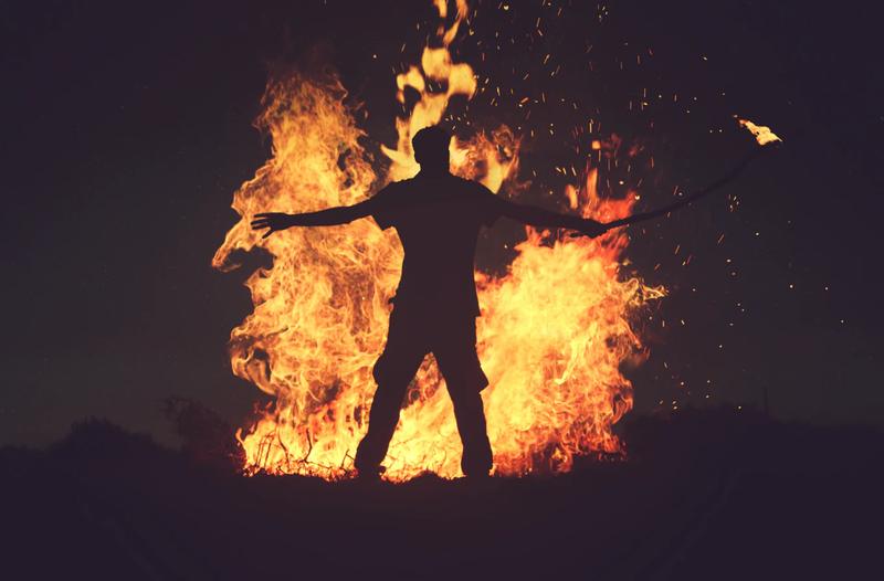 燃える 男
