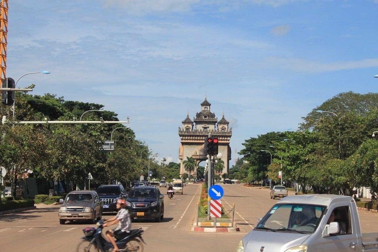 首都 ラオス