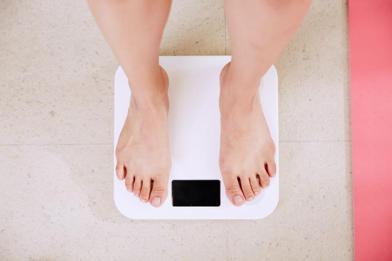 体重計 重さ