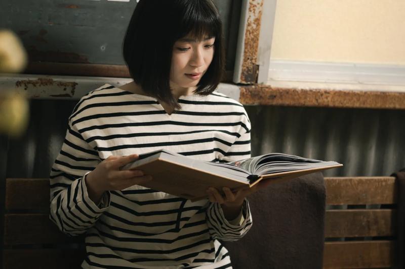 読書 女性
